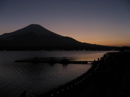 山中湖と富士